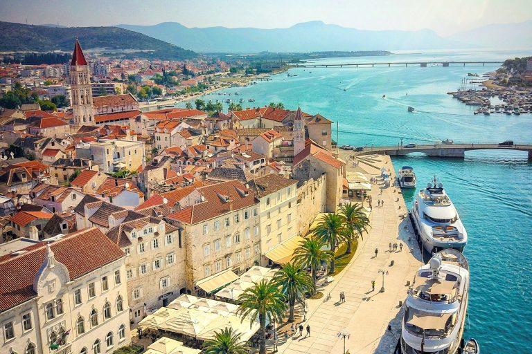 Walking tour – Trogir